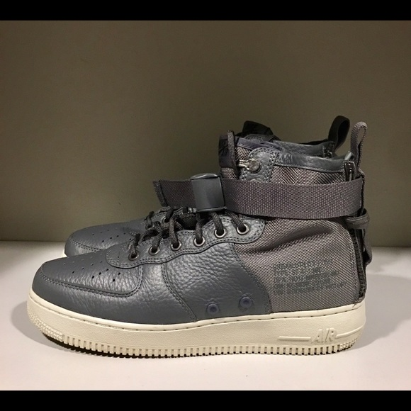 big sale 05948 27ef6 Nike Air Force 1 Mid Utility.